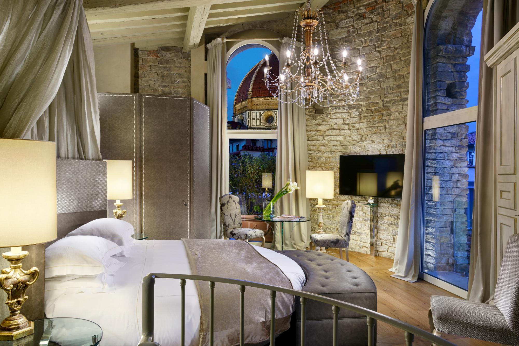 Hotel Brunelleschi tower suite bedroom with view