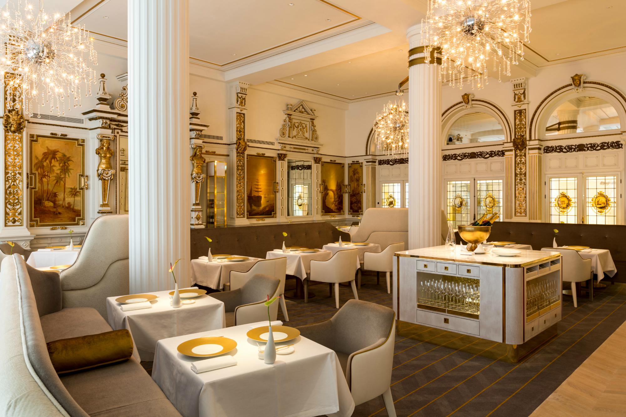 The White Room restaurant with tables