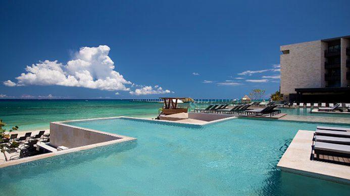 Hotel infinity pool  11 Stunning Hotel Infinity Pools | Passport