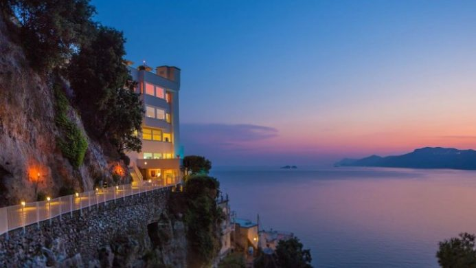 8 Hotels with Stunning Scenery
