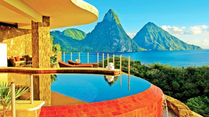 Infinity pool with view of Piton mountains