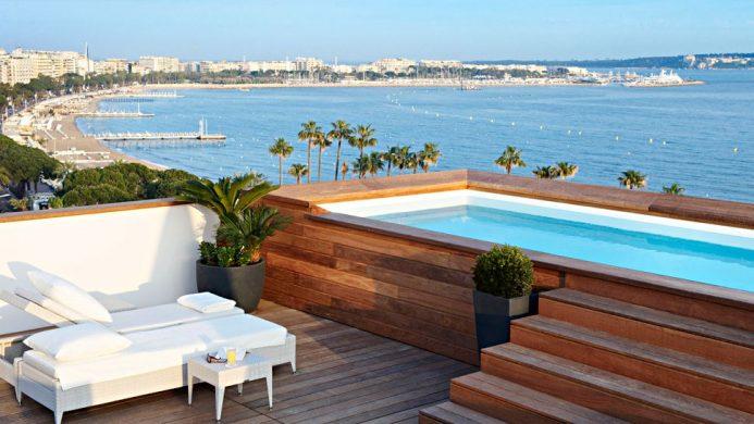 Hôtel Majestic Barrière Cannes terrace pool