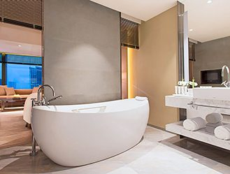 Niccolo Chengdu bathroom with free standing bathtub