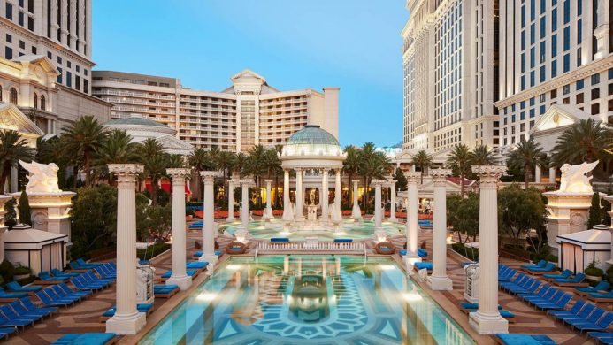 Nobu Hotel Casesar's Palace pool area