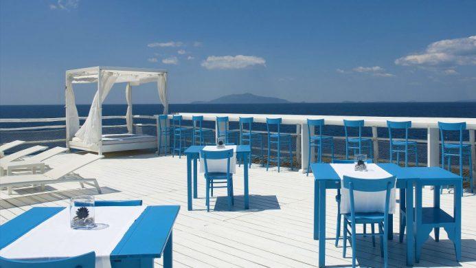 Gwyneth Paltrow vacations Capri