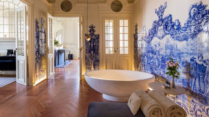 The 10 Most Instagrammable Hotel Bathrooms in the World