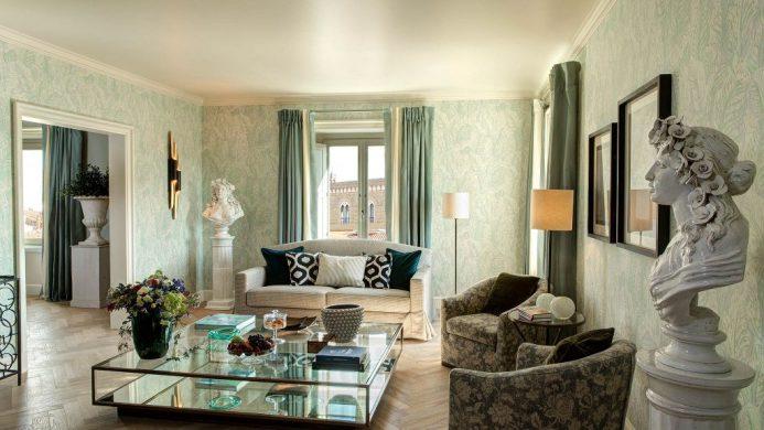 Hotel Savoy suite