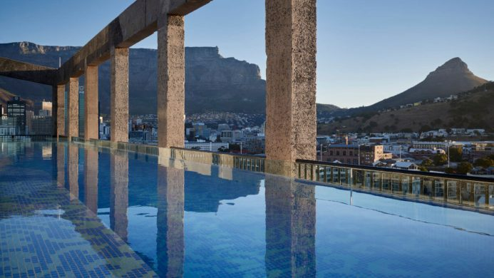 La piscine de l'hôtel Silo
