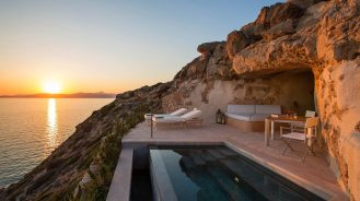 Sunset from the cliffside plunge pool at Cap Rocat