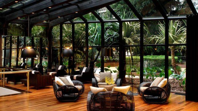 Tivoli Sao Paulo Mofarrej lobby solarium overlooking a garden